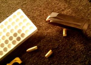 Vorsicht beim Umgang mit Schusswaffen...